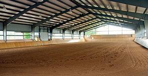indoor-horse-arena-03-495
